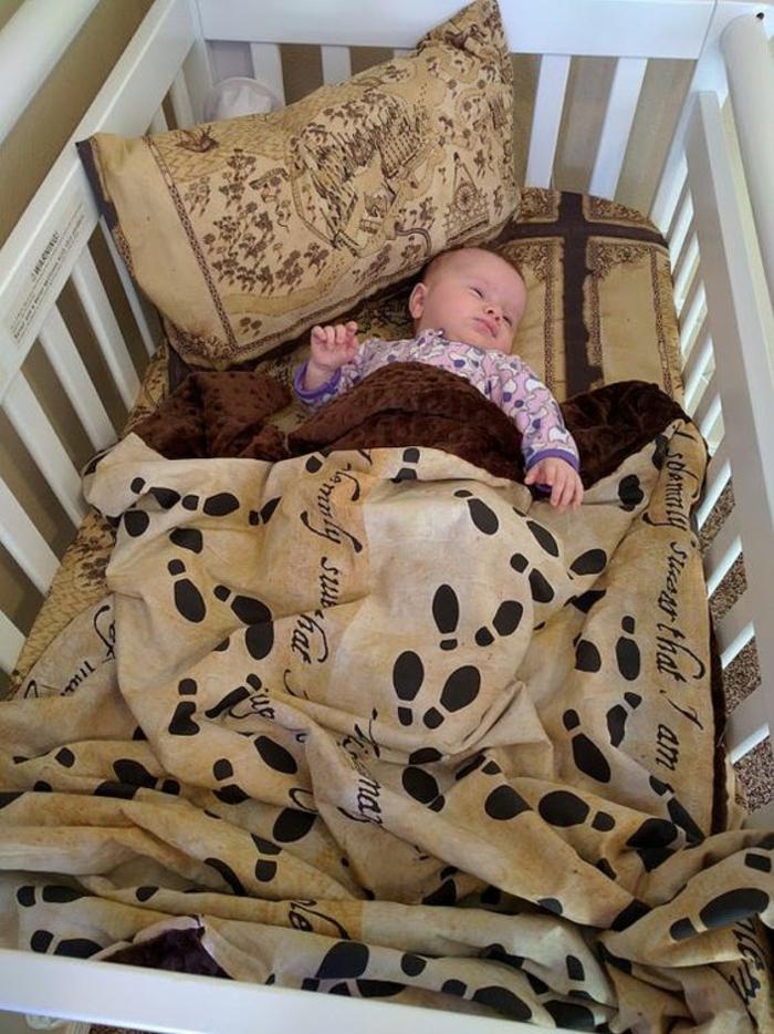 cadeau de naissance original set pour le lit de bébé avec grand coussin aux motifs de Harry Potter