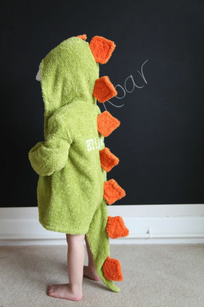 cadeau pour fille peignoir de bain en forme d'animal dinosaure en vert réséda et orange
