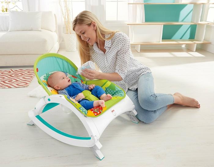 idee cadeau enfant transat évolutif en couleurs fraîches reclinable comodité pour maman et bébé