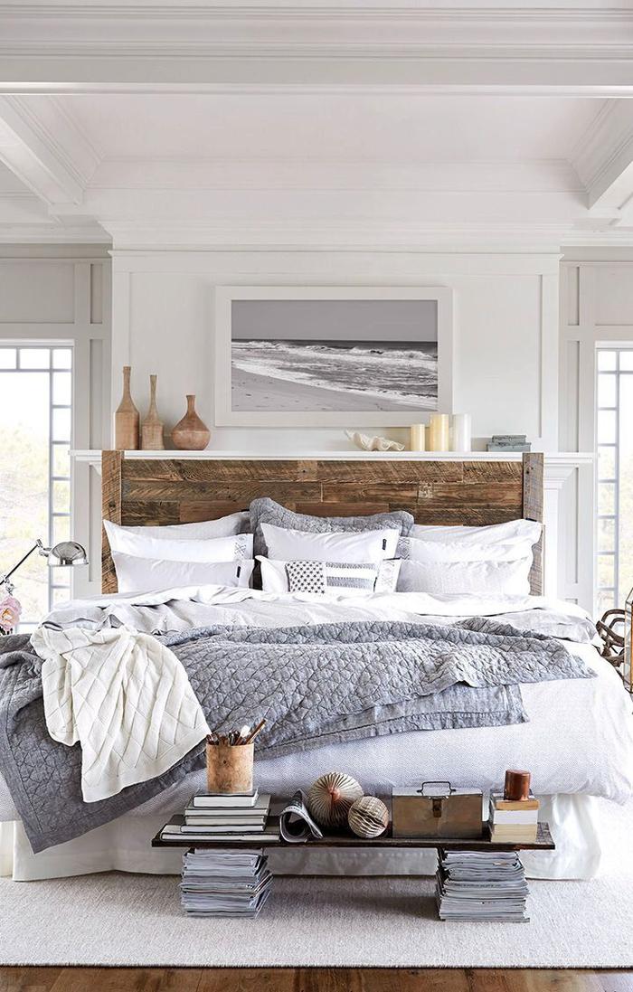 une association de matières et textiles aux nuances de blanc et gris, lit rustique avec tete de lit en palette a faire soi meme