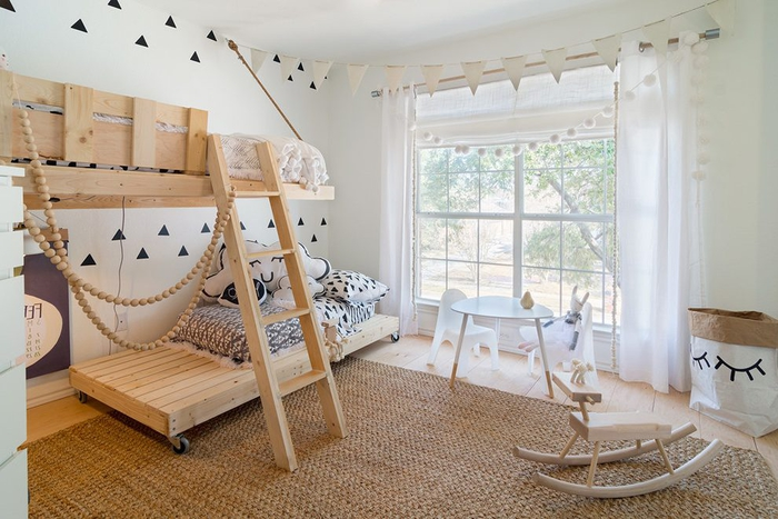 une chambre bébé à inspiration scandinave en matériaux naturels, comment faire un lit avec des palettes de type mezzanine