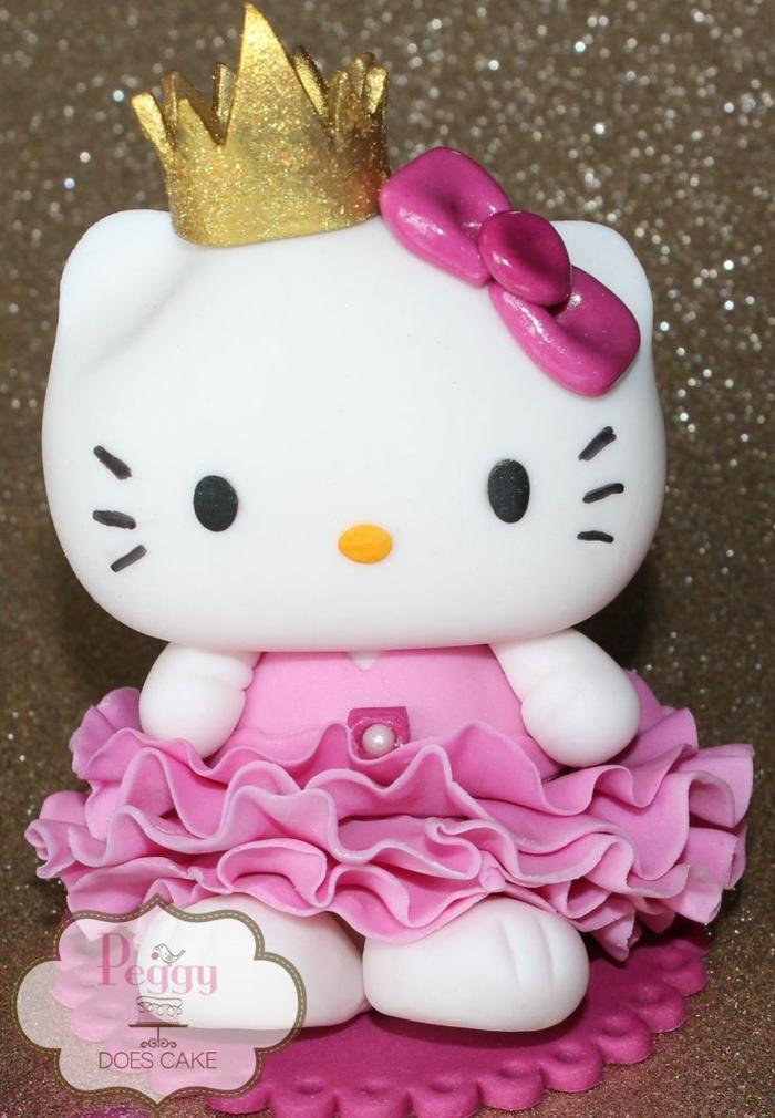 Poupee pate a sucre gateau anniversaire chateau idée gateau fille Hallo Kitty
