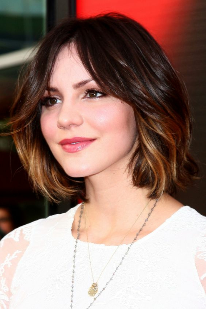 Coupe cheveux triangle pointe bas