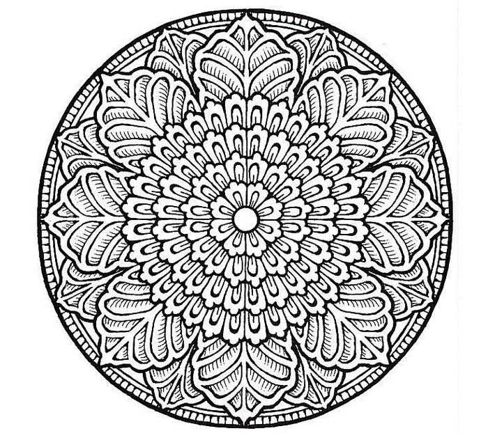 un dessin zen de mandala à colorier à motif fleur stylisée avec ses pétales