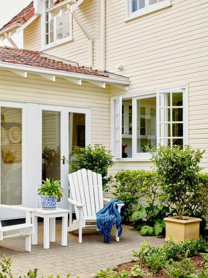 aménager son jardin dans une maison en couleur crème petit coin pour rever