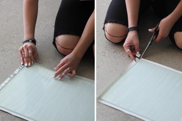 un truc de retragere a dulapului IKEA, masa dreptunghiulară transformată într-o consolă de marmură falsă