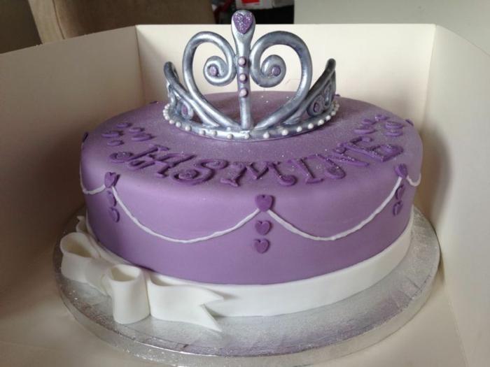 Video gateau princesse gateau barbie facile gateau en princesse courone pate a sucre violet