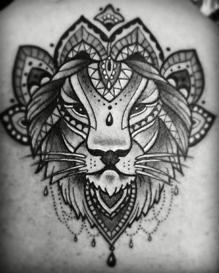 Dessin lion mandala tatouage tete de lion tatouage exemple tatou fleur lion tribal