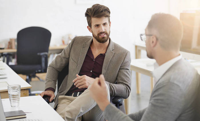 look homme, code vestimentaire pour travail office, homme avec lunettes de vue