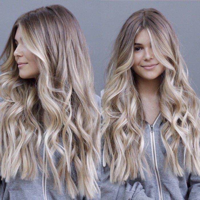 blond cendré, coupe de cheveux femme longs, coiffure avec racines châtain foncé et pointes blondes