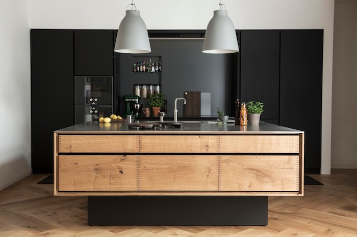 modele de cuisine, meuble de rangement cuisine, ilot central de cuisine en bois, lampe suspendue en gris