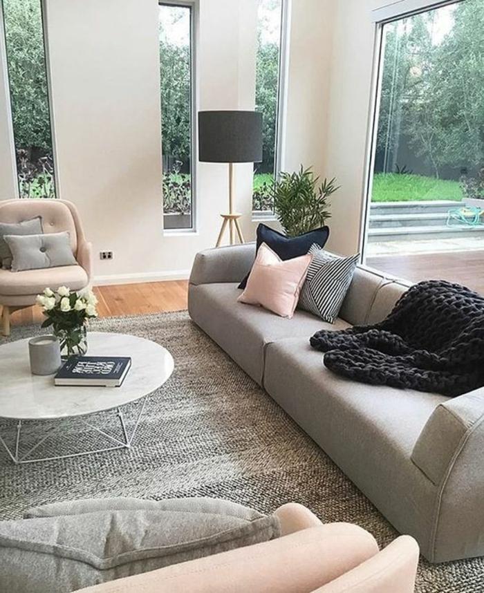 deco salon moderne sofa gris coussins dco en rose et gris table ronde - Salon Noir Gris Rose
