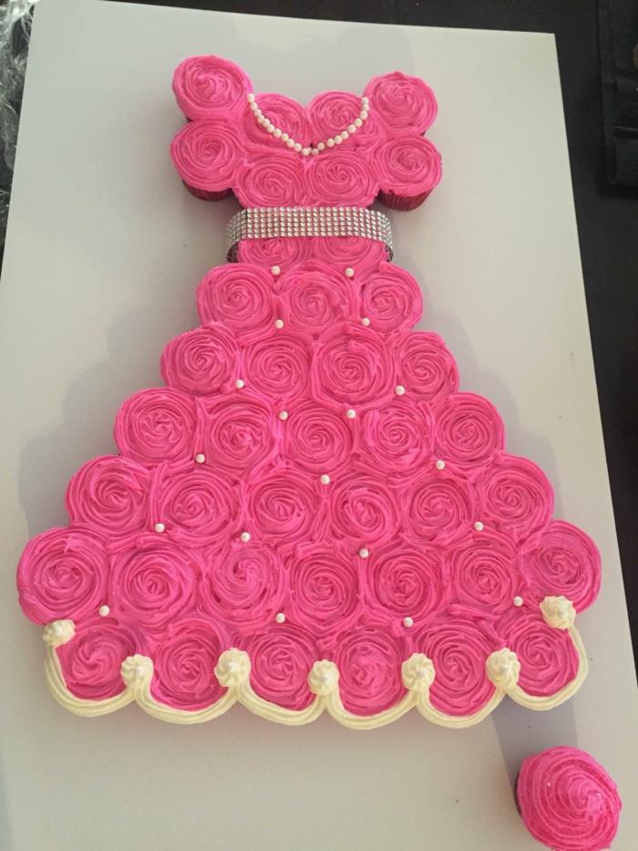 Gateau chocolat chateau fort gateau en forme de poupee cupcake rose