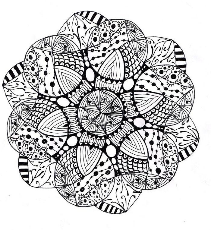 des mandalas à colorier abstraits aux cercles entrelacés