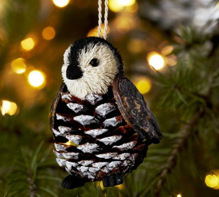 diy deco noel, jouet de Noel pinguin, comment décorer le sapin de Noel