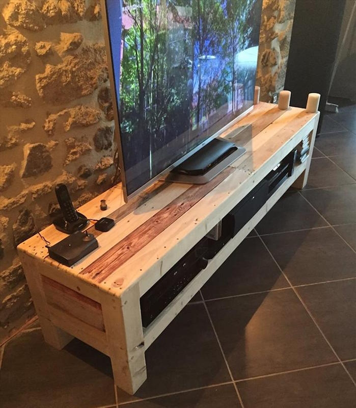 1001 id es meuble tv palette le recyclage en cha ne for Modele meuble salon