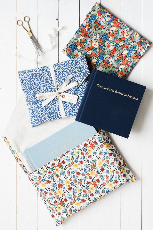 Tuto couture pinterest couture apprendre à coudre tutoriel simple couverture de livre enveloppe de tissu