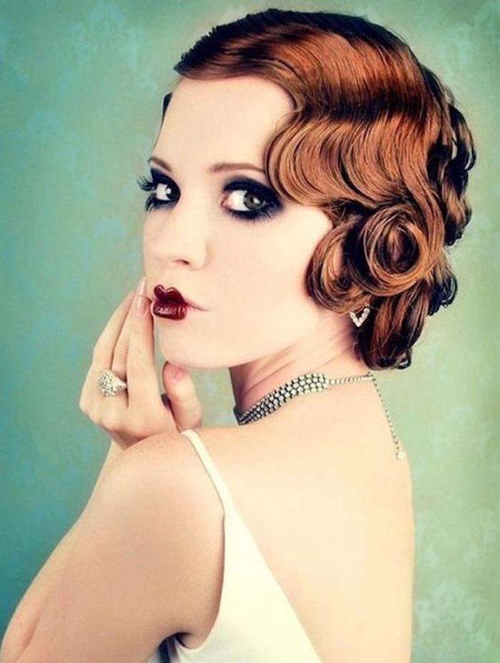 chignon année 20 coiffure 1920 tuto pin up style rétro