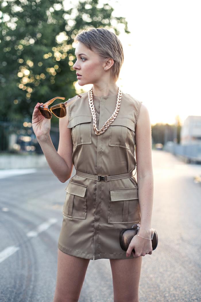 Chouette idée robe saharienne femme street style robe safari courte couleur kaki