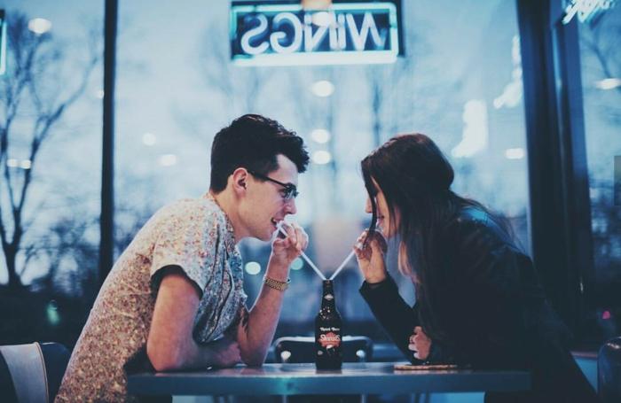 Google photo d amour couple amoureux photos couples plages boire de la meme bouteille