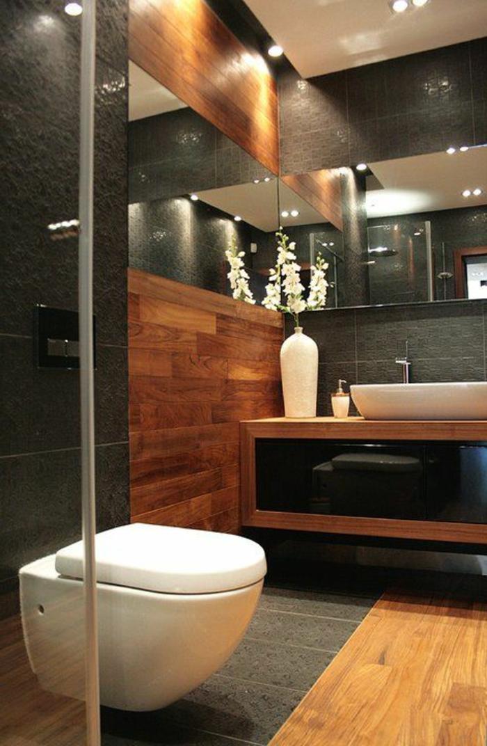 idées déco salle de bain, rangement sous vasque, grabd vase avec orchidée, revêtement bois
