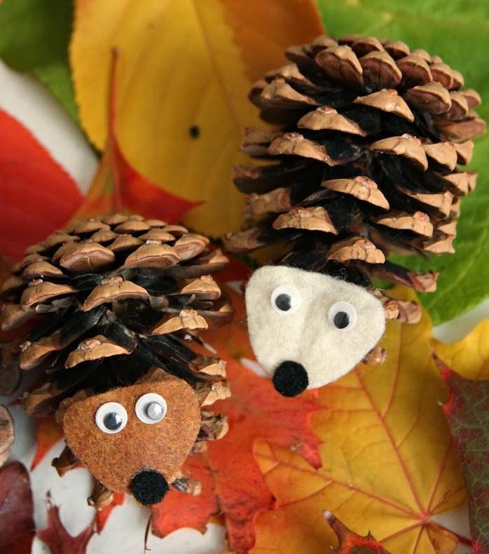 activité manuelle automne maternelle, hérisson fabriqué à partir de pomme de pin, feutrine, des yeux mobiles, bricolage enfant automne