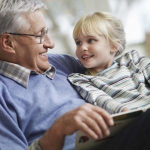 Fête des grands-pères - 50 idées de cadeaux pour surprendre son papy le 1 er octobre