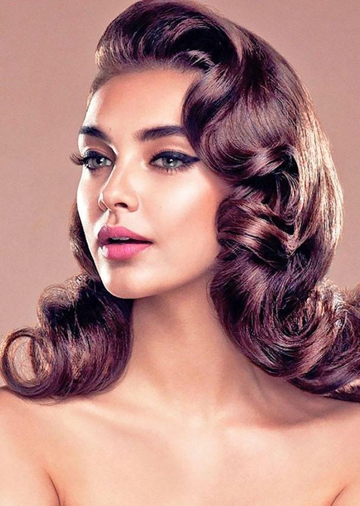 idées coiffure mariage femme theme retro 60 avec boucles