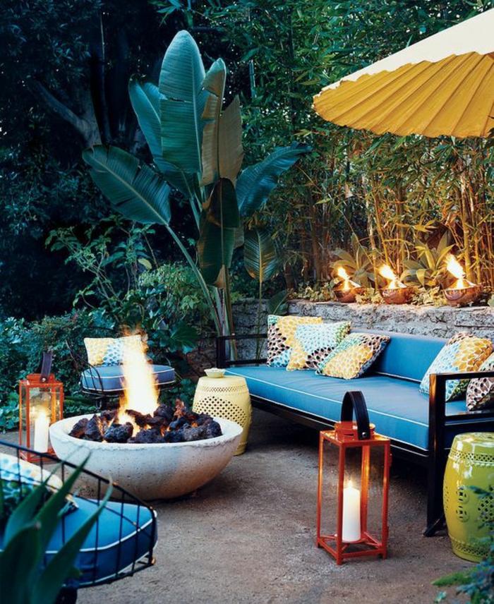 amenagement jardin comment aménager son jardin avec un canapé en turquoise
