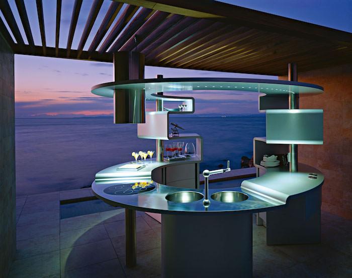 meuble haut cuisine, évier avec deux vasques rondes, plaques modernes, éclairage led