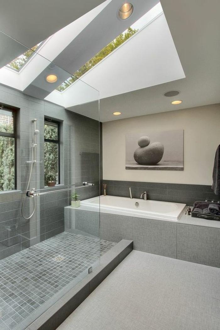 idee deco salle de bain nature, photographie zen, grande cabine de douche, puits de lumière au plafond