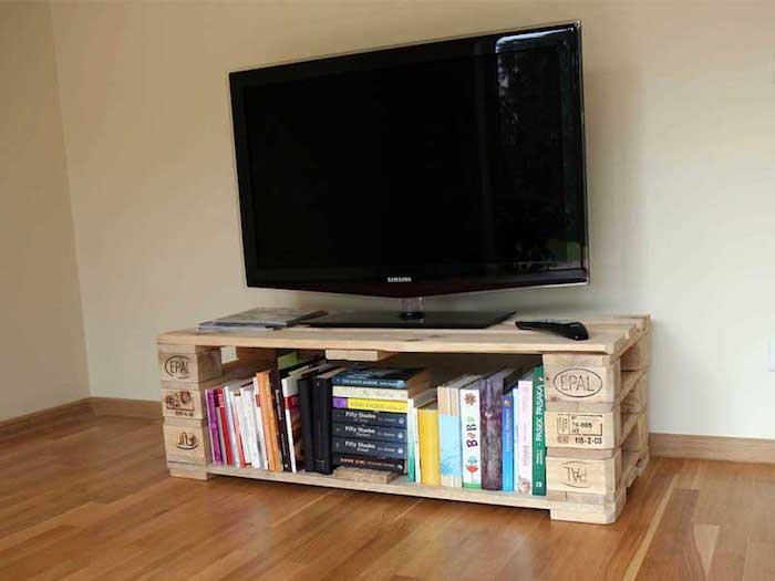 idée diy fabrication palette meuble pour télé dans salon
