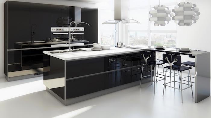 tendance deco, meubles de cuisine noirs sans poignées, ilot central noir avec comptoir blanc