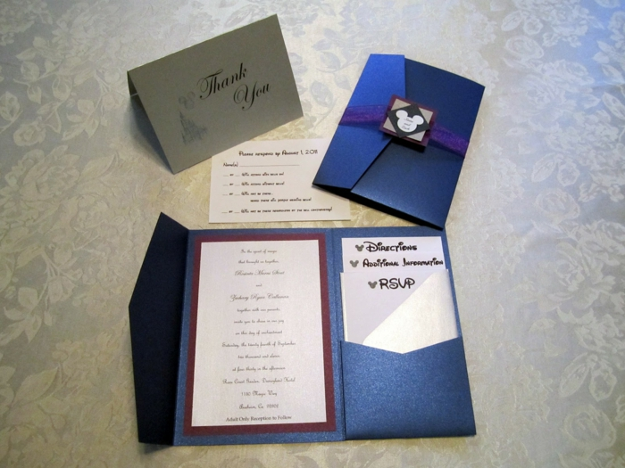 Invitation mariage theme disney faire part chic disney fair bleu foncé comme le chateau de disney