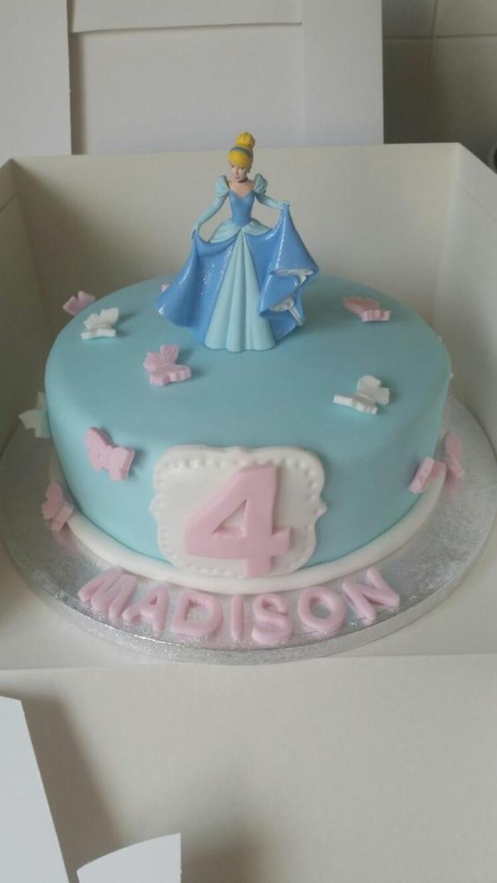 Comment faire un gâteau princesse comment faire un gâteau anniversaire cendrillon pate à sucre