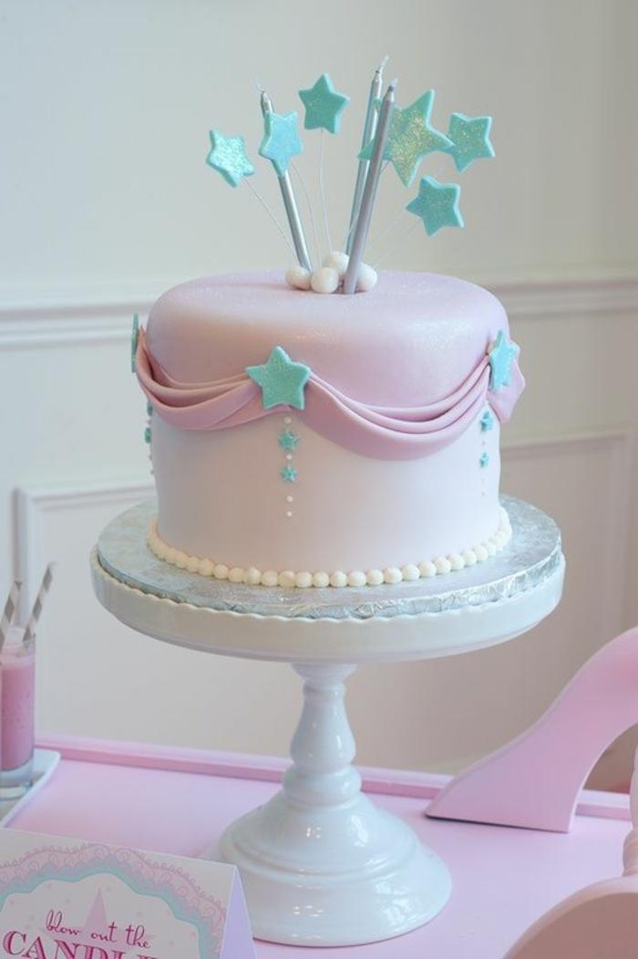 Le gateau d anniversaire de princesse gateau d anniversaire chateau de princesse adorable