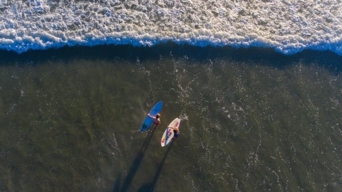Merveilleuse photos couple belle photo d amour foto d amour photo de drone haut de la plage surfing photo drone