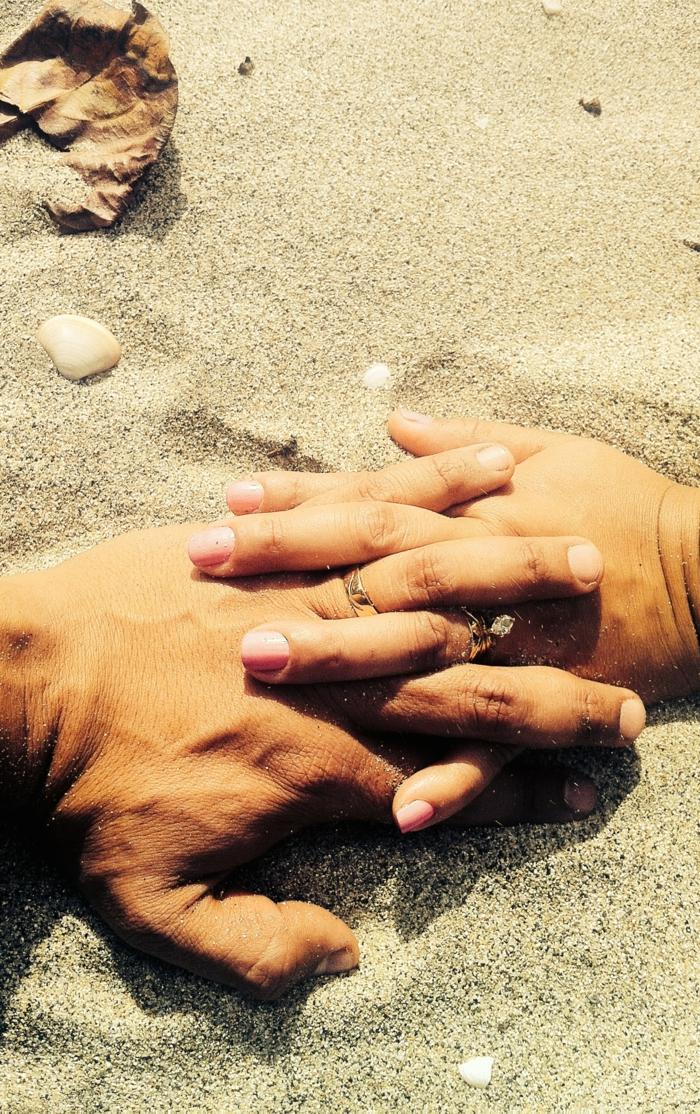 <agnifique image d amour fou image amour couple mariée mains sur la plage