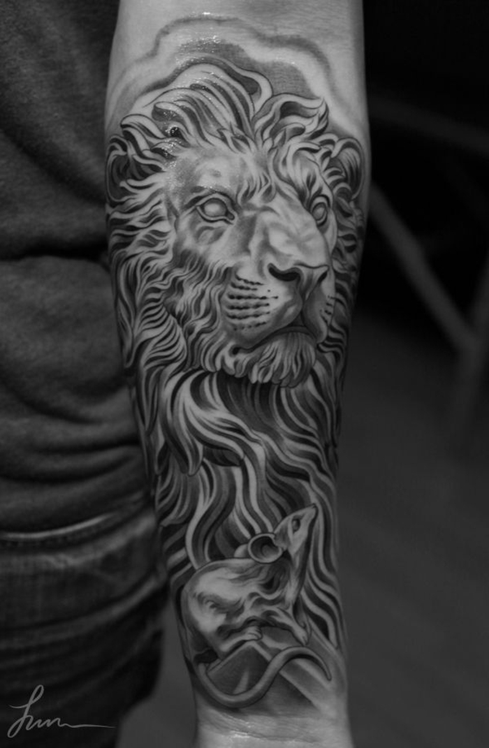 Lion rose tattoo tete de lion tatoo idée tattoo lion tribal manchette