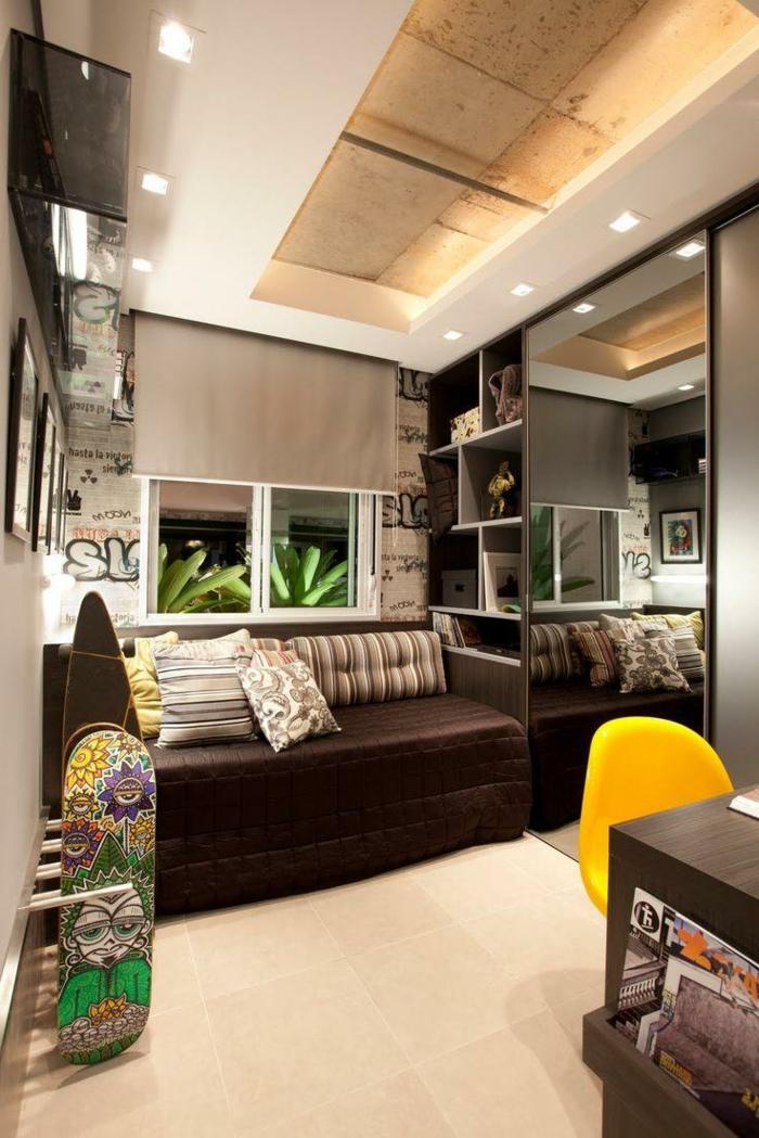 chambre ado en marron et blanc avec lit en marron et faux plafond avec une niche