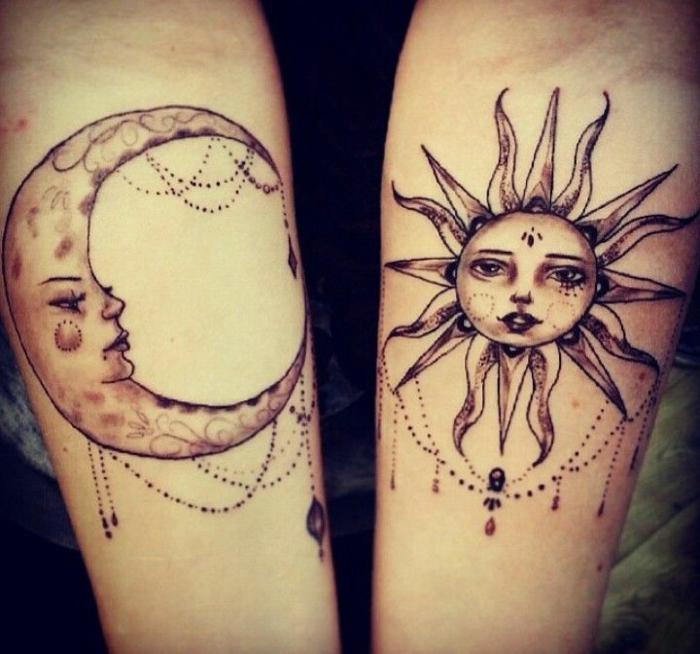 lune tatouage, jolis designs de la lune et du soleil, le disque lunaire et le soleil rayonnant