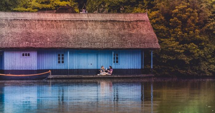 Pose plage image romantique plage photo de l amour plage couple amies au bord de lac belle photo