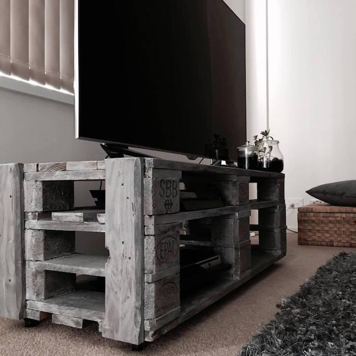1001 id es meuble tv palette le recyclage en cha ne - Meuble fabrique avec des palettes ...