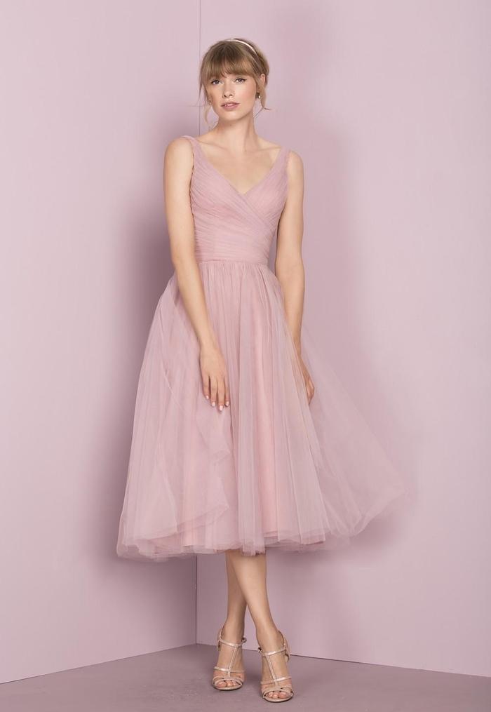 modèle de robe demoiselle d'honneur rose poudré à jupe en tulle style tutu