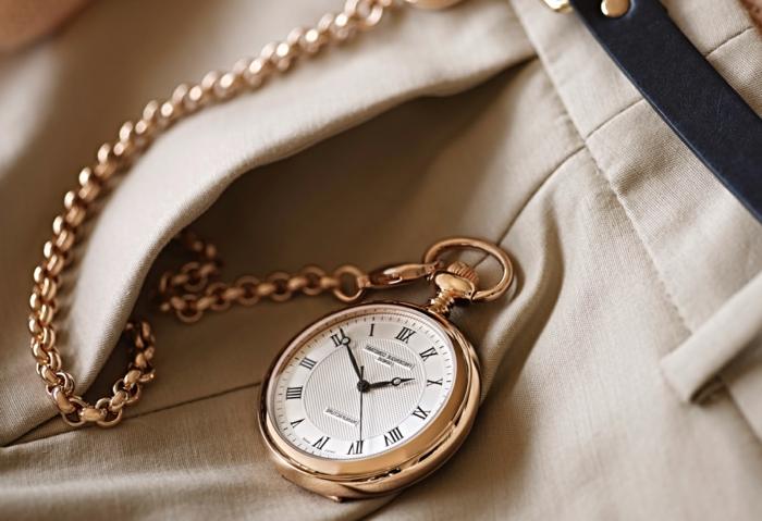 montre de gousset, idée montre de poche doré à offrir pour la fete des papy, look vintage