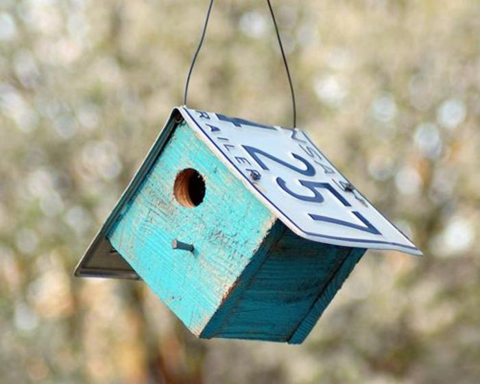 nichoirs oiseaux, petit nichoir oiseaux avec bois d'oeuvre et plaque d'immatriculation