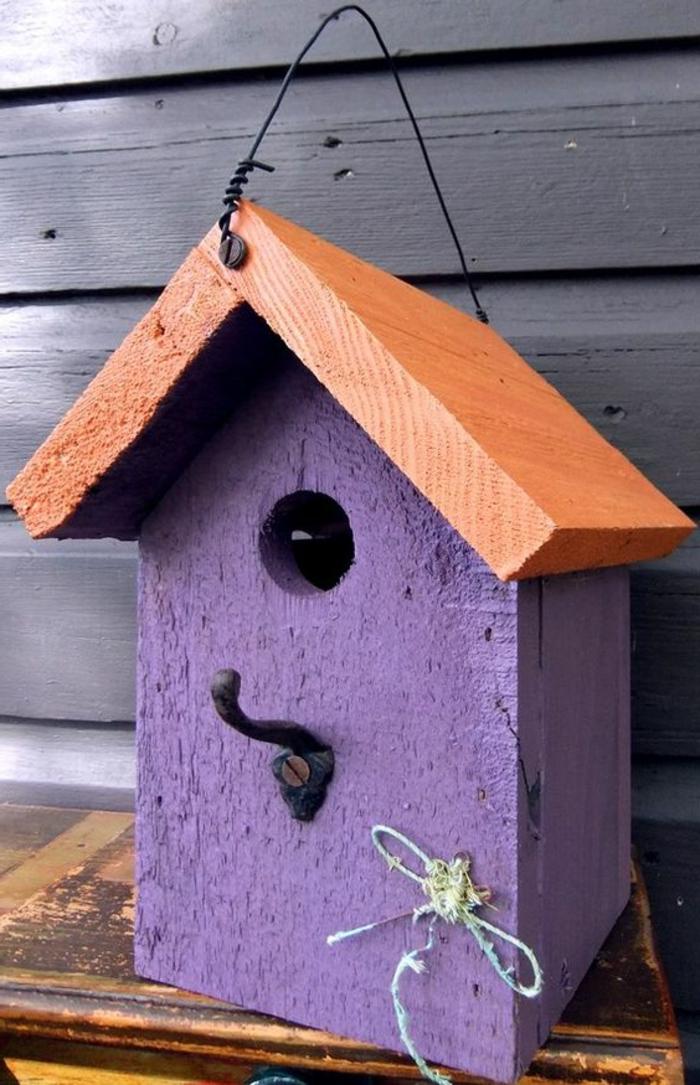 nichoirs oiseaux, modèle rustique de maison pour oiseaux accrocher