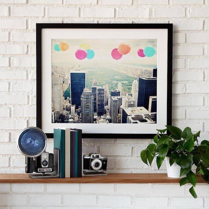 idée de serre livres original en appareils de photo vintage, photo paysage urbain, étagère en bois, fête des grands pères cadeau
