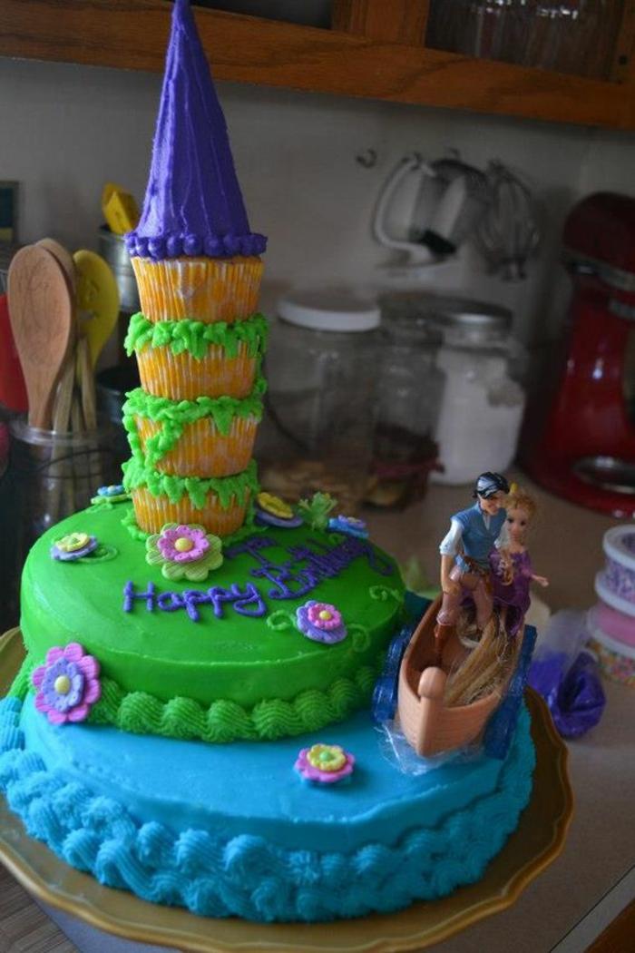 Chouette gâteau anniversaire princesse chateau de princesse idée raiponce