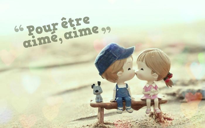 belle phrase d amour, dessin d'un couple amoureux, petite fille avec frange et cheveux attachés en queue de cheval bas